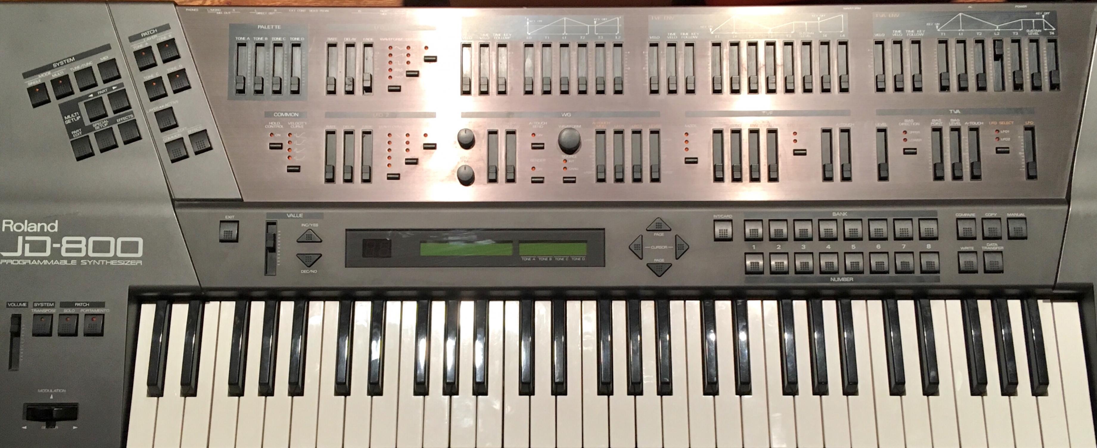 Roland JD800 (King Britt Edition)
